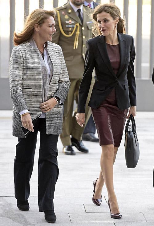 El vestido de Hugo Boss ya se lo habíamos visto en dos ocasiones, como en esta reunión en febrero de 2015