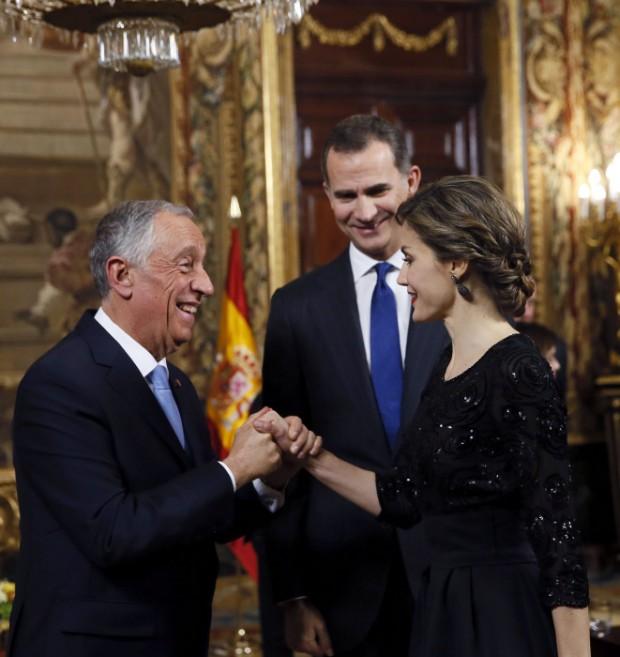 El rey Felipe VI y la reina Letizia con el presidente de Portugal, Marcelo Rebelo de Sousa con motivo de su primera visita oficial a España,