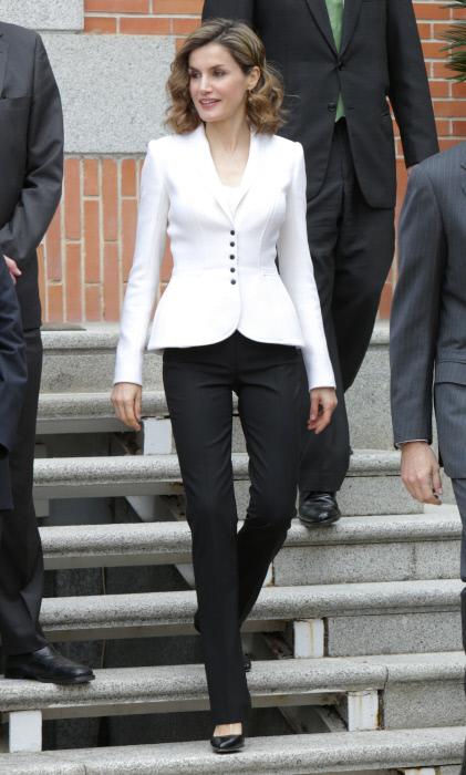 La reina Letizia Ortiz durante una reunión de la Comisión Nacional para la conmemoración del IV centenario de la muerte de Miguel de Cervantes. 14/04/2016 Madrid