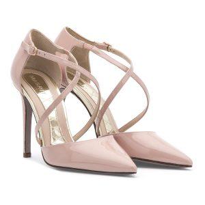 Zapatos de salón en punta, 240 euros en la web de Magrit