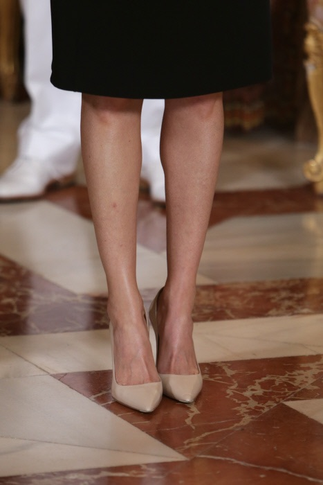 ¿Por qué estos zapatos? ¿alguien me lo explica?