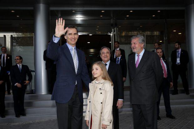 La Infanta Sofía con el presidente del Rela AMdrid