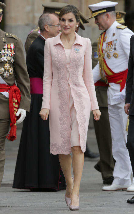 Spanish Queen Letizia during the ceremony of a national flag to the regiment of engineers specialties in Salamanca on Monday 13, June 2016