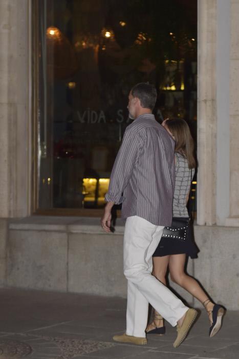 Letizia eclipsada por el tamaño de su marido