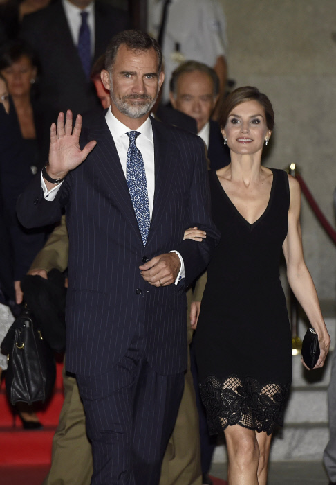 Spanish King Felipe VI and Queen Letizia on her 44 birthday attend the opening of the season of the Royal Theatre on its 200 anniversary in Madrid, on Thursday 15 September, 2016.