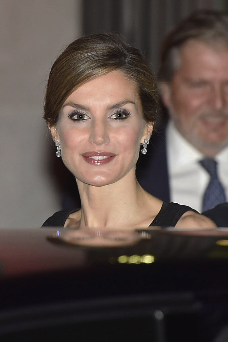 Spanish Queen Letizia on her 44 birthday attend the opening of the season of the Royal Theatre on its 200 anniversary in Madrid, on Thursday 15 September, 2016.