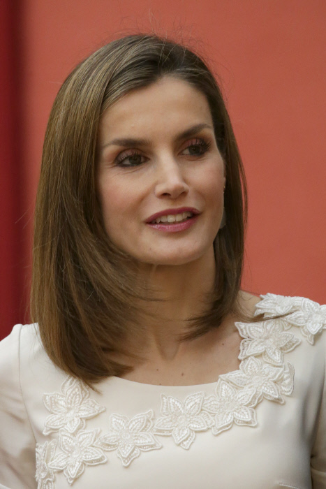 Queen Letizia Ortiz attending royal audience with participants of the Olympic medals and diplomas and Spanish Paralympic Games participants in Rio 2016 in Madrid Wednesday, Sept. 28, 2016.