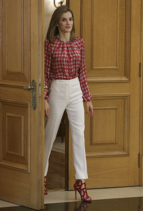 Spanish Queen Letizia Ortiz attendingAssociation Against Cancer (AECC) at Zarzuela Palace in Madrid, on Friday September 9, 2016