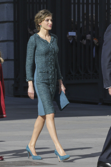 "Spanish Queen Letizia during the opening ceremony of the XII Legislature in the Congress of Deputies in Madrid, Spain, Thursday, Nov. 17, 2016. en la foto : vestida por la firma "" Felipe Varela """