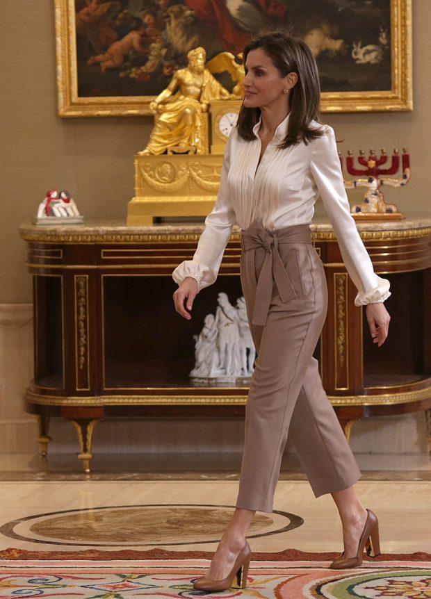 Los Nuevos Pantalones De Letizia Que Te Quitan Una Talla