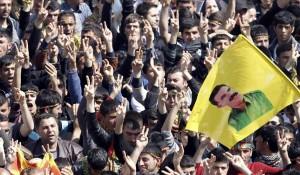 Miles de kurdos celebrando el Año Nuevo Persa en Diyarbakir (Turquía), en 2013 / SUNA - EFE
