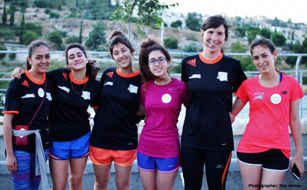 Equipo femenino de Runners without borders / Itay Akirav