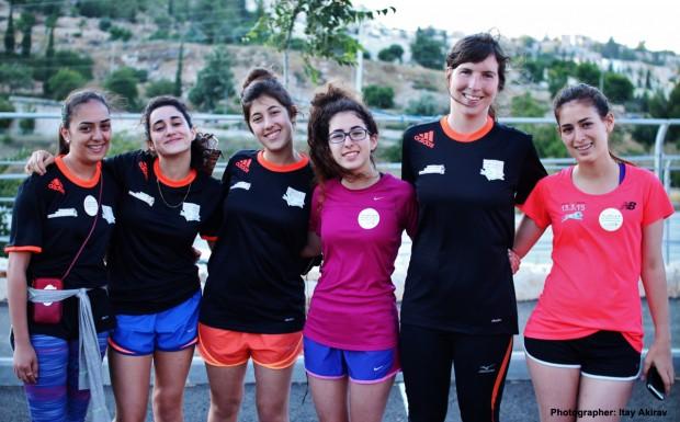 Equipo femenino de Runners without borders / Itay Akirav