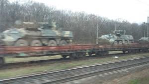Durante el viaje en tren de Kíev a Zaporiza me crucé con un comboy de tanques / Núria Segura Insa