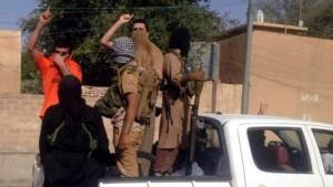 Combatientes del EI en agosto del 2014 durante su entrada a la ciudad iraquí de Tikrit, donde nació Sadam Hussein / EFE