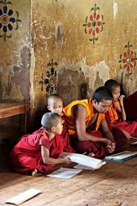 Los niños pobres de Bután tienen dificultades para acceder a la educación / Carsten ten Brink - FLICKR