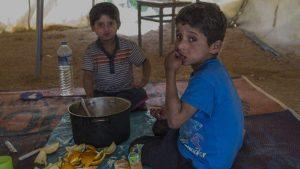 Los hermanos iraquíes Ahmed y Mudafar llegaron a España para tratar su enfermedad desde el campo de refugiados griego de Katsikas gracias al trabajo de la ONG Aire / Change.org