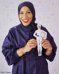 La primera Barbie con hiyab está inspirada en la esgrimista olímpica americana Ibtihaj Muhammad / FOTO: Mattel - 20 Minutos