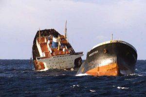 """15 años después de la catástrofe del """"Prestige"""", Greenpeace denuncia que la tragedia podría volver a ocurrir / FOTO: Archivo 20 Minutos"""