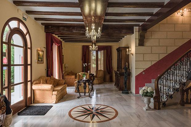 Hall-Hotel-Villa-Retiro-1