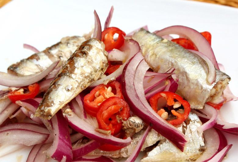 Ceviche humilde de sardinas en lata
