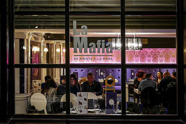 mafia-restaurante-04