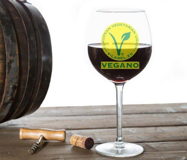 Pueden los veganos beber vino? | La Gulateca
