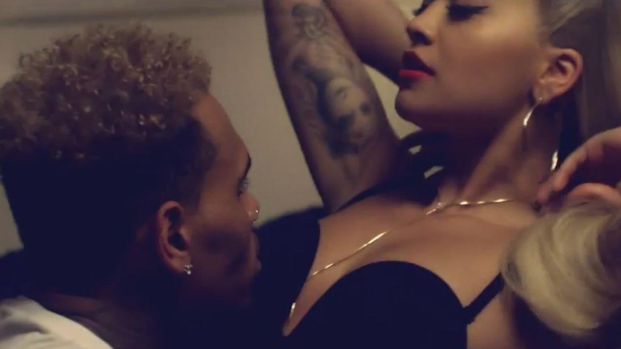 Disfrute anal con el culazo de Rihanna Rimes -