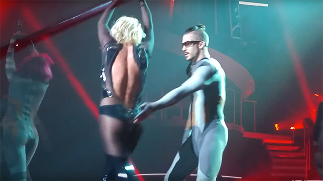 britney-spears-wardrobe-malfunction-pieceofme