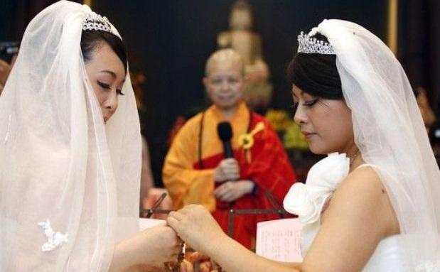 Pareja de taiwanesas protagoniza primera boda gay budista / Foto de EFE