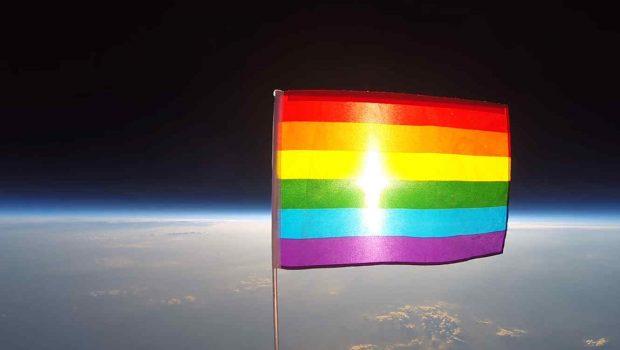 bandera-arcoiris-espacio