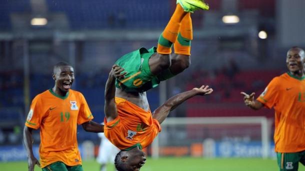 Foto EFE / Emmanuel Mayuka celebra el gol que dio el pase a la final de la Copa América a Zambia
