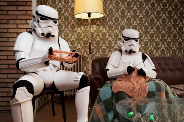 Stormtroopers haciendo ganchillo