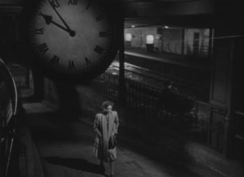 Breve encuentro (pantallazo) reloj estación
