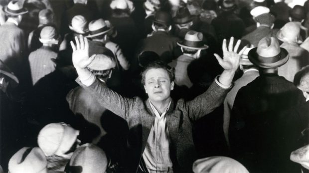 Y el mundo marcha (The Crowd, 1928)