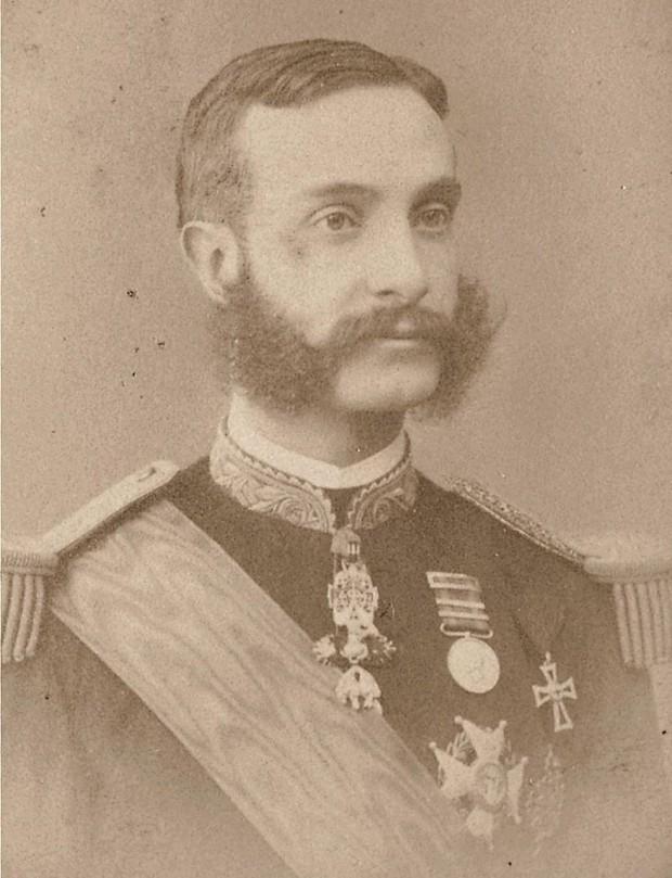 Retrato de Alfonso XII de autor desconocido (Dominio Público).