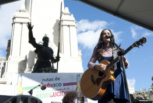 LA CANTANTE JULIETA VENEGAS DURANTE CONCIERTO DE CELEBRACION DE 100 AÑOS DE LA REVOLUCION MEXICANA 20/11/2010