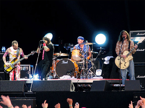 La banda Red Hot Chili Peppers en Pinkpop festival en 2006 (Creative Commons).
