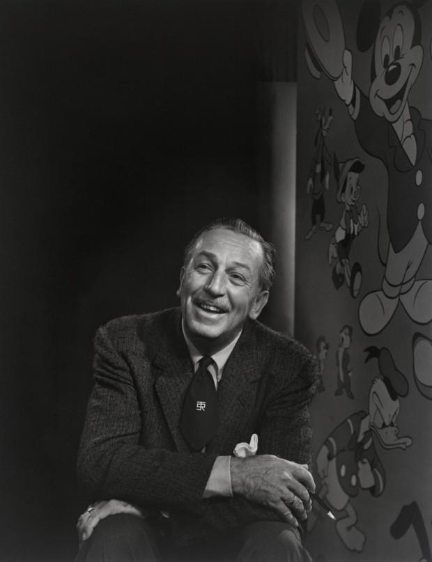 Walt Disney retratado en 1956 por Yousuf Karsh (National Portrait Gallery, Smithsonian Institution).