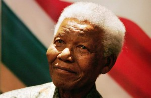Nelson Mandela, fotografiado el 26 de agosto de 2004 (EFE).
