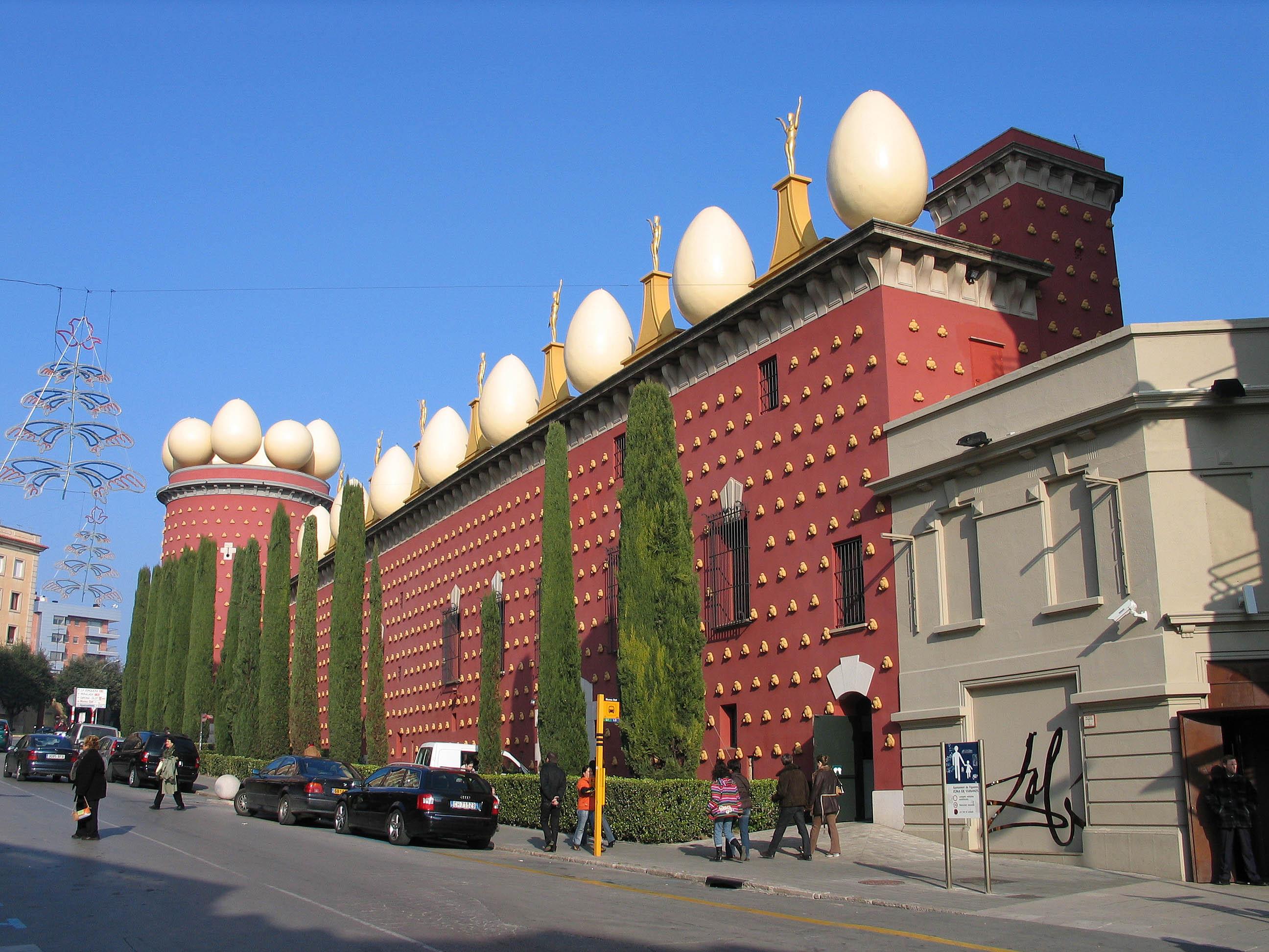 Teatro-Museo Dalí en Figueres (Wikipedia).