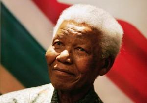 Fotografía de Nelson Mandela durante una rueda de prensa (EFE).