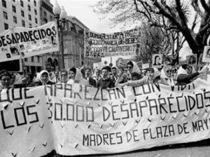 Madres de la Plaza de Mayo.
