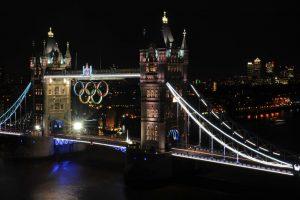 El puente de Londres con el símbolo de los Juegos Olímpicos (GETTY).