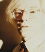 Autorretrato en Polaroid de Andy Warhol, 1981.