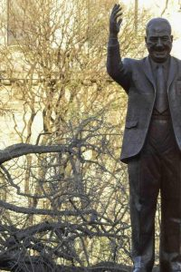 Estatua de Perón en Buenos Aires (EFE).