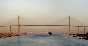 El puente Mubarak, en el Canal de Suez (Creative Commons).