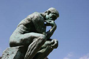 El Pensador de Auguste Rodin (Creative Commons).