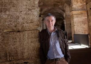 El escritor e historiador Santiago Castellanos.