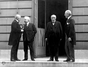 Los cuatro grandes mandatarios de la Conferencia de París: David Lloyd George (Reino Unido), Vittorio Emanuele Orlando (Italia), Georges Clemenceau (Francia) y Woodrow Wilson (EEUU).